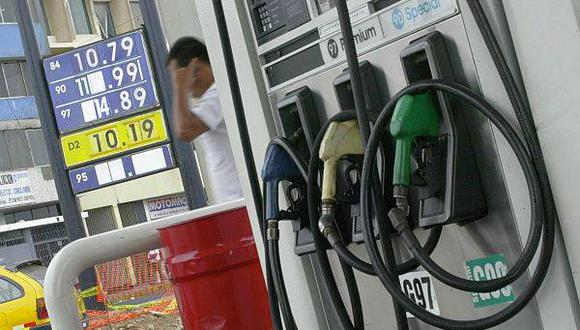 Precios de las gasoholes en el Perú han disminuido mucho menos que el precio internacional. (Archivo: El Comercio)