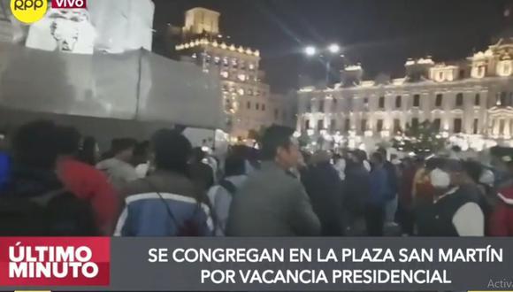 Las personas se reunían en la plaza San Martín pese al estado de emergencia por la pandemia del COVID-19. (RPP Televisión)