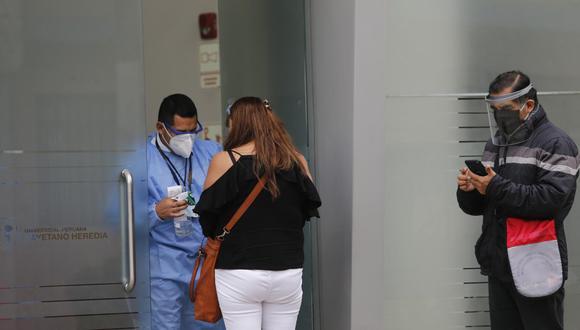 Fueron 12 mil voluntarios los que acudieron a la convocatoria para participar en los ensayos clínicos de Sinopharm. Ahora, sin embargo, reclaman porque no les brindan información. (Foto: Joel Alonzo)
