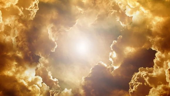 Mujer captó una curiosa imagen desde la ventana de su casa. Sus amigos creen que es una figura divina que se le apareció en forma de nube   Foto: Pixabay / geralt (Referencial)