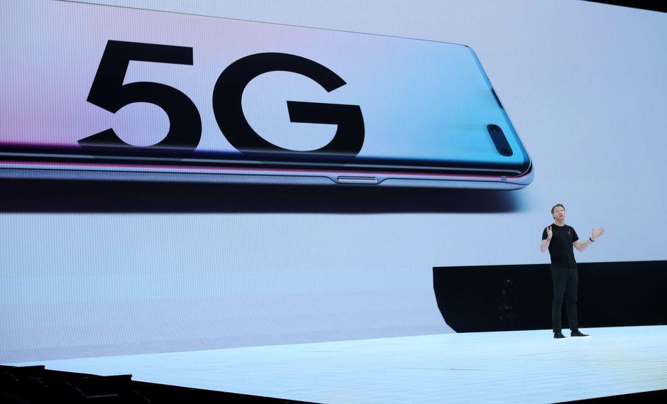 La adopción de la tecnología 5G podría cambiar el rumbo de los smartphones en el mundo. (Foto: AFP)