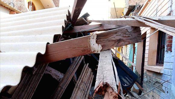 Piura: fuertes vientos derrumban parte de vivienda de material rustico en Paita