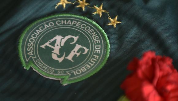 Chapecoense señaló en un comunicado que se adhiere al derecho de preservar el nombre de las personas contaminadas. (Foto: AFP)