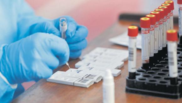 Susalud realizó una investigación sobre el presunto cobro de clínicas por las muestras procesadas en el INS. (Foto: Difusión)