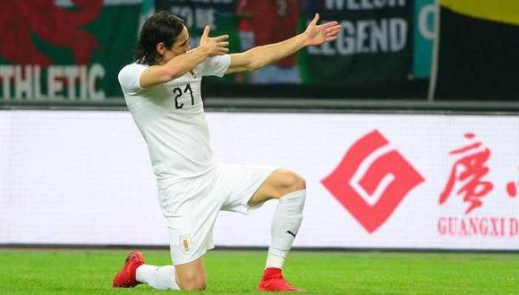 En su partido número 100 con Uruguay, Edinson Cavani anotó en la final de la China Cup frente a Gales. La anotación llegó en su mejor momento deportivo. (Foto: AP)