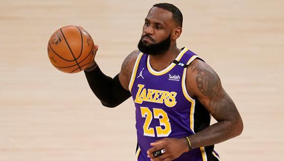 LeBron James retornó luego de más de un mes a Los Angeles Lakers tras superar una lesión en el tobillo
