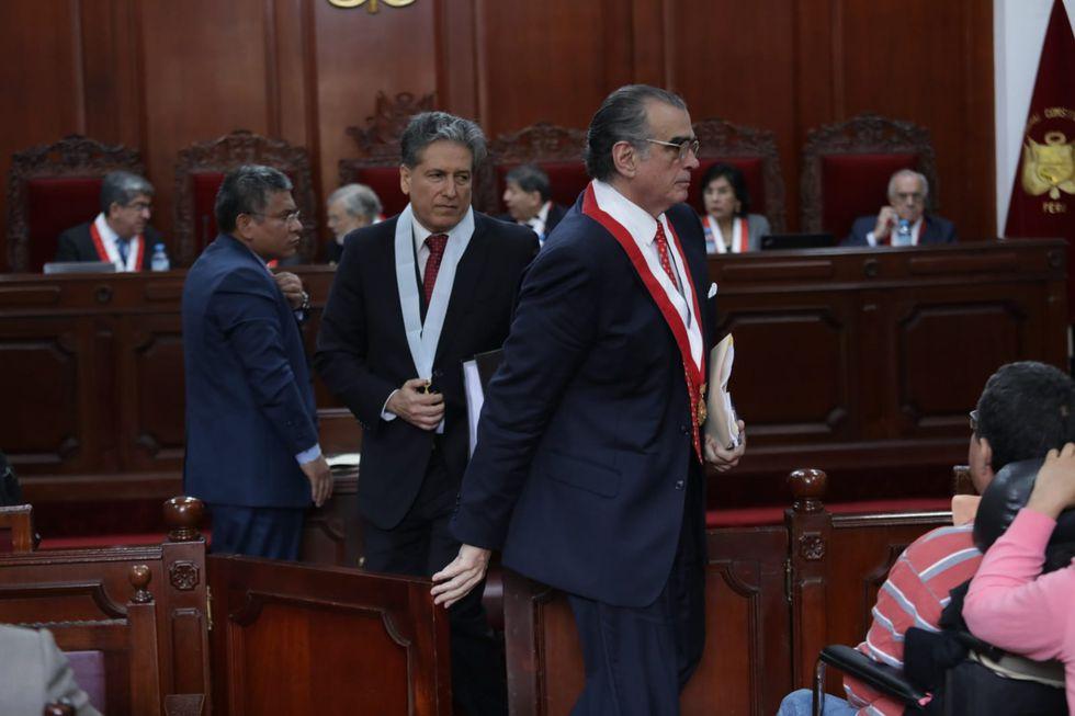 Demanda Competencial fue presentada y sustentada por Pedro OIaechea, titular de la Comisión Permanente del Congreso disuelto.