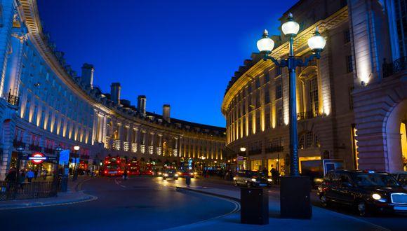 """En la intersección Piccadilly Circus (Londres) se grabó la persecución de la primera parte de la película """"Harry Potter y las reliquias de la muerte"""" (2010).  / Foto: Shutterstock."""
