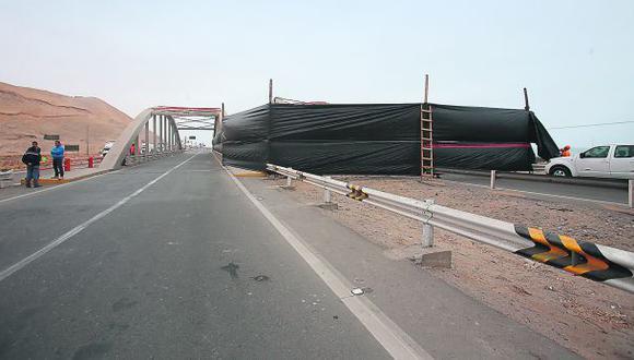 Cierran el otro carril del puente que colapsó en Chincha