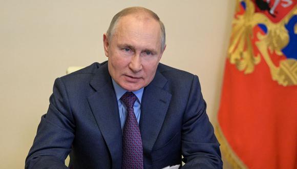 El presidente ruso Vladimir Putin asiste a una reunión conjunta del Presidium del Consejo de Estado y la Agencia de Iniciativas Estratégicas a través de un enlace de video en la residencia estatal de Novo-Ogaryovo en las afueras de Moscú el 15 de abril de 2021 (Foto: Alexei Druzhinin / SPUTNIK / AFP)