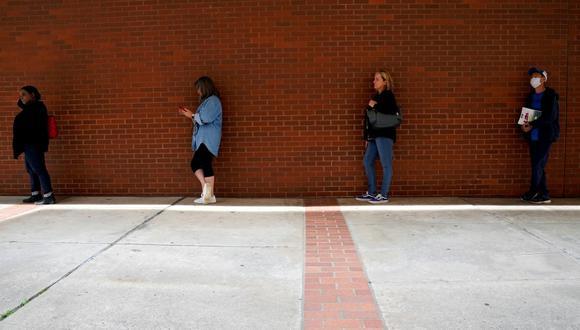 El número de personas en despido temporal disminuyó en 1.3 millones, pero casi tres millones de trabajadores perdieron sus empleos permanentemente, según los datos. (Foto: Reuters)