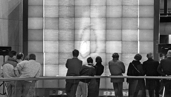 El cometa Halley paralizó el país en 1986. En esta imagen vemos una reproducción del  hecho científico en la Cité des Sciences de la Villette, en París, ese mismo año. (Foto: AFP)