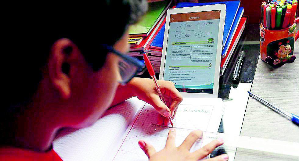 Debido a las medidas de aislamiento, los colegios tuvieron la obligación de informar a los padres de familia sobre las nuevas condiciones del servicio educativo.