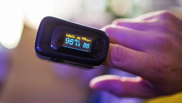 Este aparato es importante para monitorear de manera constante a una persona que ya está enferma con el COVID-19 para evitar que su sistema respiratorio empeore, según el infectólogo del Instituto Nacional de Salud (INS), Manuel Espinoza. (Foto: Neumotec)