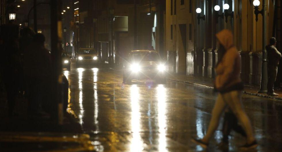 Inusual lluvia cayó sobre Lima anoche y se extendió durante la madrugada. (Fotos: Piko Tamashiro/ GEC)