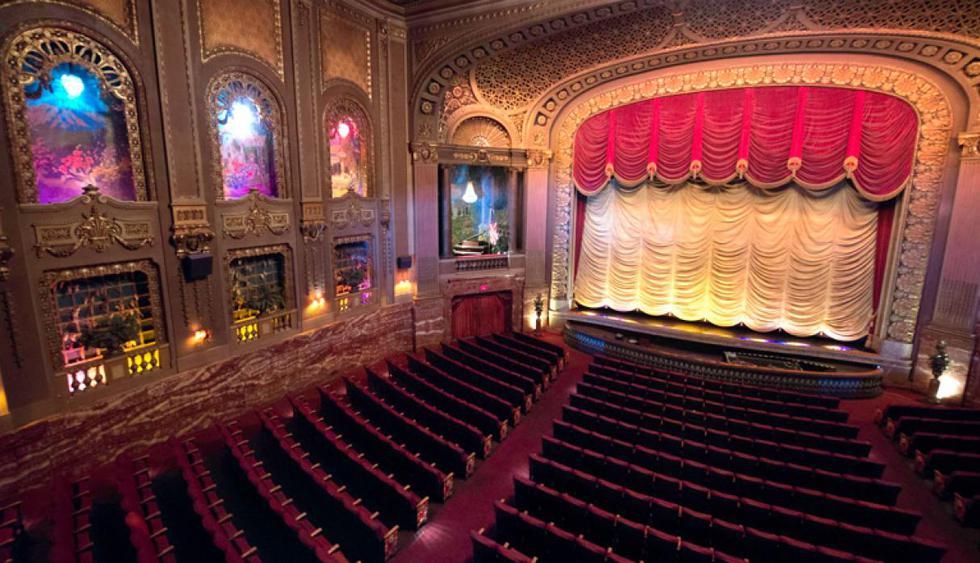 """Byrd Theatre. Este cinema se ubica en Virgina y fue el primero en ser equipado con un sistema de sonido. Abrió en el año 1928 y la primera película que se transmitió fue """"Waterfront"""". (Foto: Facebook Byrd Theatre)"""
