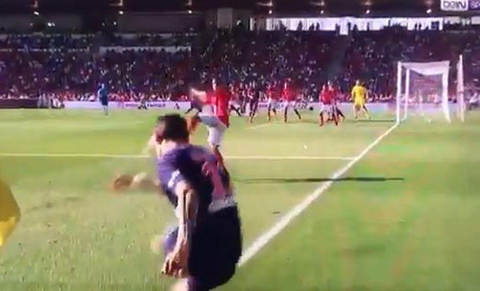 Ángel di María regaló una anotación de lujo en el encuentro entre PSG y Niems, por la cuarta fecha de la Ligue 1. El 'Flaco' la clavó desde la esquina del campo. ¡Genio! (Foto: captura de video)