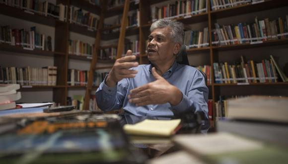 Aldo Panfichi Huamán recomienda convocar a los líderes naturales en barrios y distritos para orientar a la población. (Foto: Elías Alfageme)