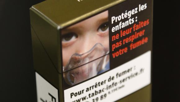 Cajas de cigarrillos sin marcas podrían desincentivar consumo