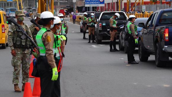 Las Fuerzas Armadas y la Policía se encargarán de vigilar el cumplimiento de la restricción vehicular. (Foto: HugoCurotto / @photo.gec)