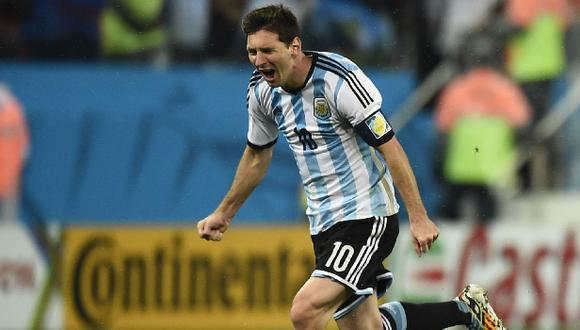 Empiezan a circular billetes falsos de Messi en Río de Janeiro