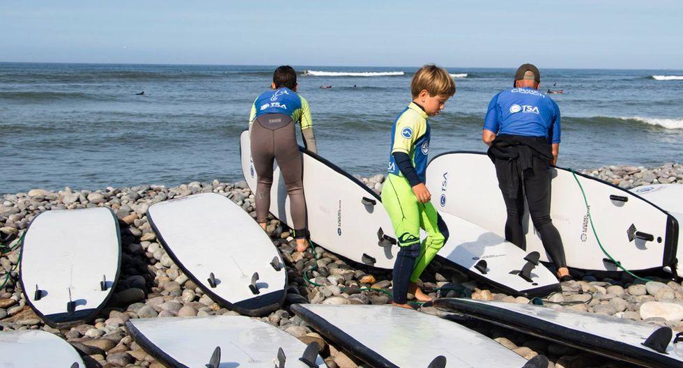 Total Surf Academy es el nombre de la escuela del parque encargada de la enseñanza del flowboarding. Promueve el primer campeonato nacional de esta modalidad de surf.