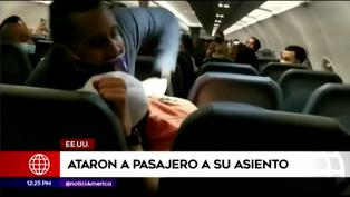 EE.UU.: Atan a pasajero por agredir a azafatas en pleno vuelo