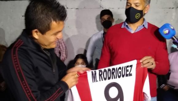 'El Pulga' Rodríguez fue recibido a lo grande en Simona, su ciudad. (Foto: Twitter)