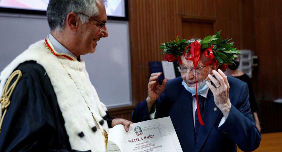 Giuseppe Paterno, 96, el estudiante más viejo de Italia, recibe su certificado de graduación después de completar su licenciatura en historia y filosofía, durante su graduación en la Universidad de Palermo, Italia. (Foto: REUTERS / Guglielmo Mangiapane).