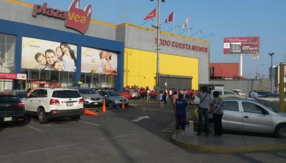Surco: explosión en Plaza Vea de Chacarilla deja dos heridos