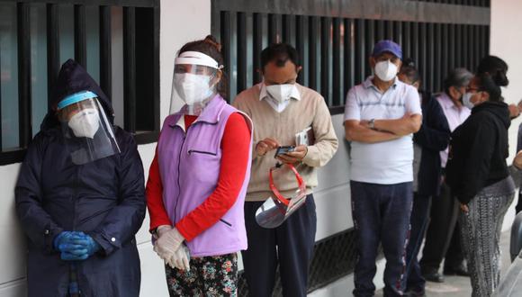 El Gobierno ha pedido a los peruanos no acudir al Banco de la Nación hasta conocer la información detallada del bono de 600 soles.   Foto: GEC