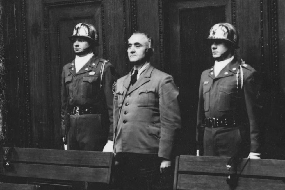 En esta fotografía de archivo del 14 de abril de 1949, el acusado Gottlob Berger, exjefe de la oficina central de las SS, es sentenciado a 25 años de prisión durante los Juicios de Nuremberg. (Foto: AP)