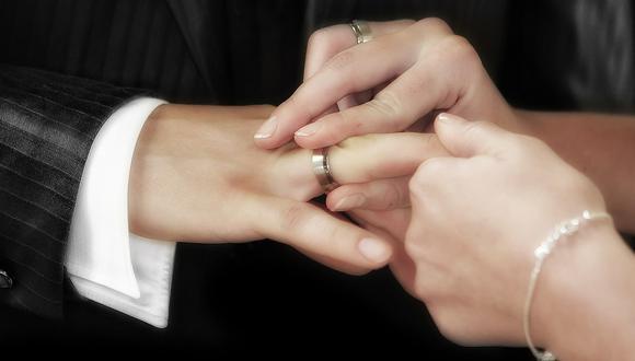 Una boda puede ser el día más maravilloso para la pareja que desea contraer nupcias, pero también el más estresante y el camino puede estar lleno de espinas, sobre todo entre las familias. (Foto:  Frank Winkler / Pixabay)