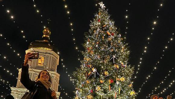 Así se originó el uso de las tradicionales luces navideñas