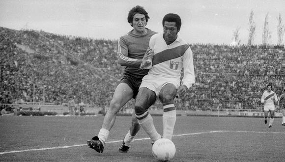 El defensor peruano en acción. Clasificó a Perú al Mundial 78 pero no disputó dicho evento. (Foto: Archivo Epensa)