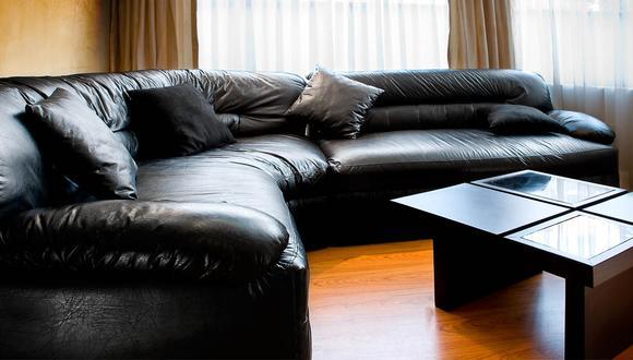 Los muebles de cuero deben mantenerse alejados del sol ya que pueden llegar a decolorarse. (Foto:Shutterstock)