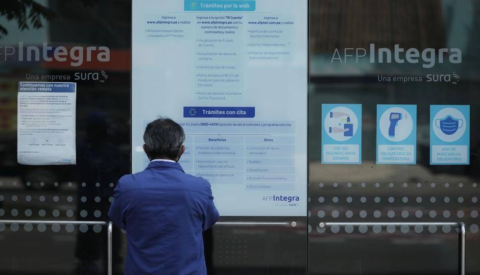 Los afiliados al Sistema Privado de Pensiones (SPP) ya comenzaron a realizar su solicitud de retiro de hasta 17.200 soles. Aquí te contamos cómo hacerle el seguimiento a tu trámite. (Foto: Leandro Britto / GEC)