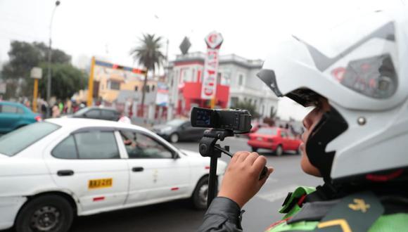 EL lunes empezó a implementarse en Lima el plan 'pico y placa', que restringe la circulación de autos en vías altamente congestionadas. (Foto: Hugo Pérez Torrejón/GEC)