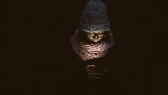 La luz del celular antes de dormis no es beneficiosa. (Foto: Pixabay)