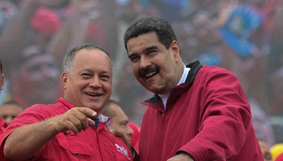Diosdado Cabello junto a Nicolás Maduro. (Reuters).