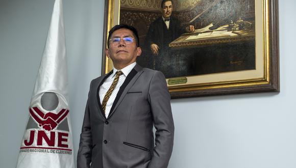 Luis Carrasco, presidente del JEE Lima Centro 1, explica los plazos para resolver los recursos de los partidos (Foto: Grupo El Comercio)