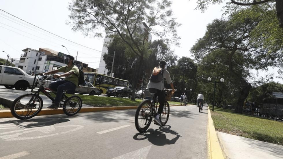 A fin de promover el transporte sostenible y el uso de la bicicleta en la ciudad, la Municipalidad de Lima entregó totalmente rehabilitada la ciclovía de la Av. Salaverry, que va de la Av. 28 de Julio a la Av. Del Ejército, este viernes. (Foto: Cesar Campos/@photo.gec)