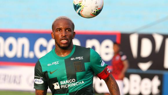 Ingresó en el minuto 11 del segundo tiempo ante Municipal. Farfán vuelve al fútbol peruano. Fue capitán y marcó un gol. (Foto: Liga 1)