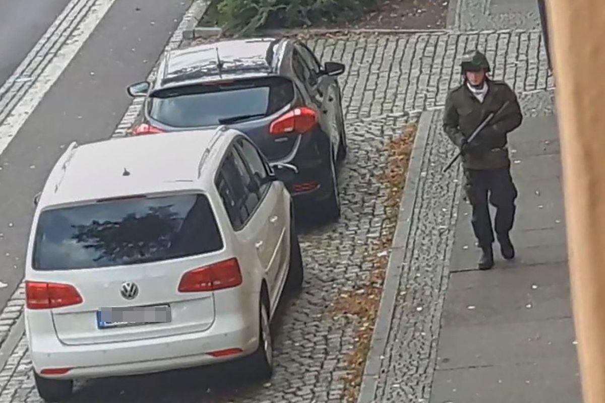 Resultado de imagen para atacante en halle alemania