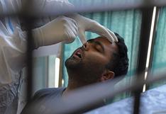 """El coronavirus se ensaña con los jóvenes en la India, golpeada por la nueva variante """"mutante doble"""""""