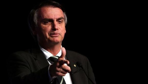 Jair Bolsonaro lidera los sondeos para la segunda vuelta presidencial con el 58%, seguido del socialista Fernado Haddad, candidato del partido de los Trabajadores (PT), que tiene un 43% de los apoyos. (Foto: EFE)
