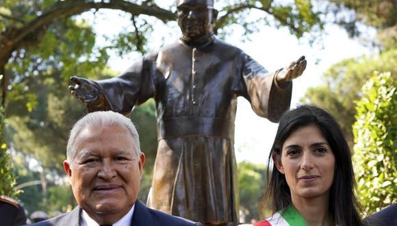 """""""Canonización de monseñor Romero es oportunidad de reconciliación"""" en El Salvador. (AP)"""