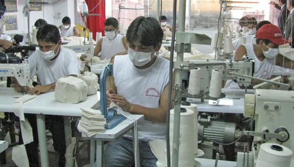 """""""Los gobiernos han puesto en marcha una serie de medidas destinadas a palear temporalmente los efectos económicos negativos del coronavirus, con el fin de evitar o postergar el rompimiento de la cadena de pagos de las economías"""", señala Marrero (Foto: Andina)"""