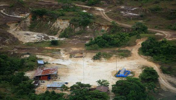 Minería ilegal de oro deforestó 62.500 hectáreas en la Amazonía