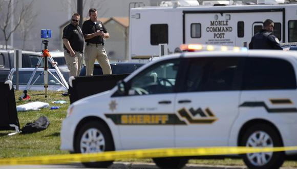 Policía de la escena de un tiroteo en la Oficina del Sheriff del Condado de Salt Lake. (Foto: Trent Nelson / The Salt Lake Tribune vía AP).